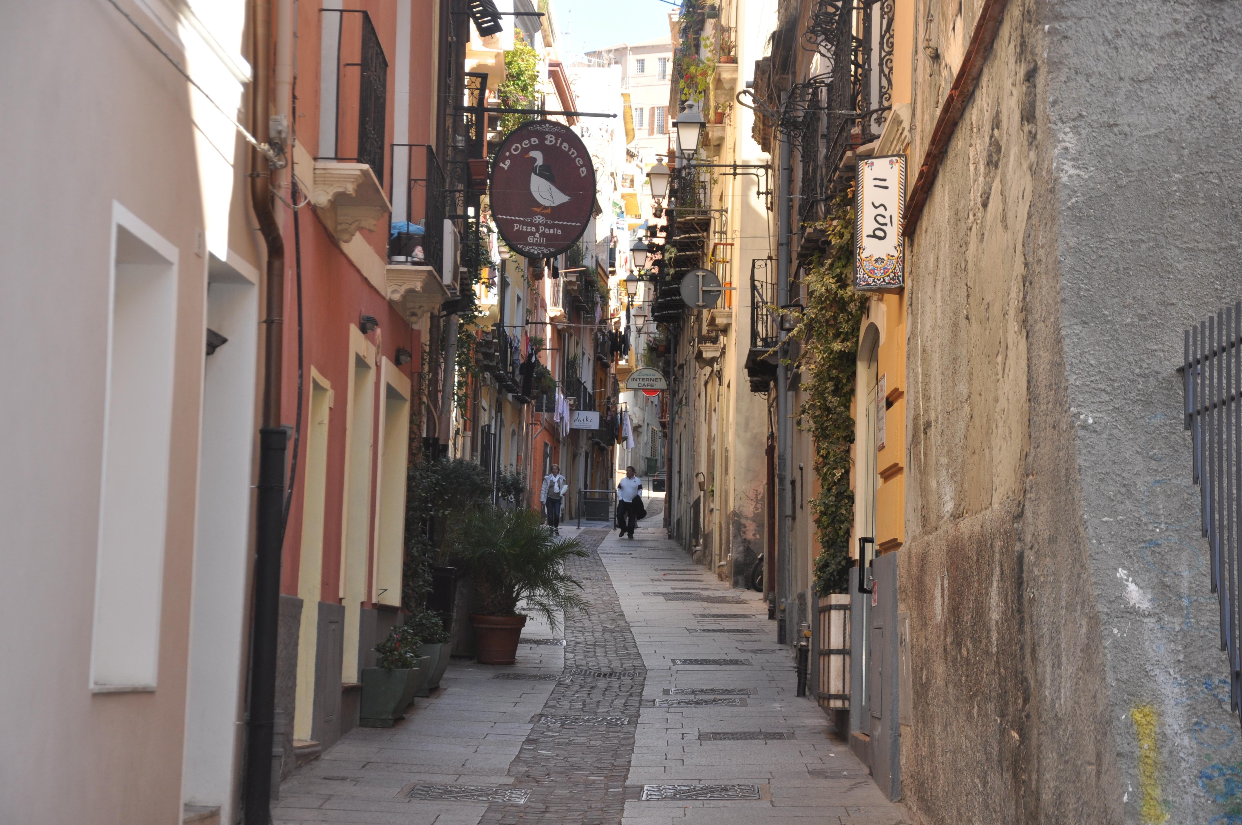 Quartiere-Marina-Strada-TIpica